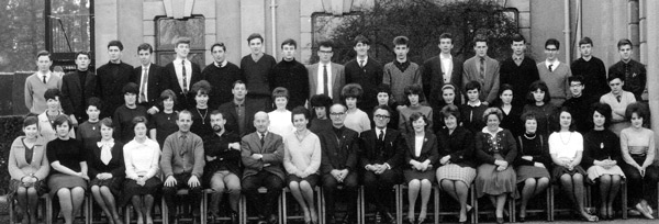 1964: Vith Form French Group at Dyffryn